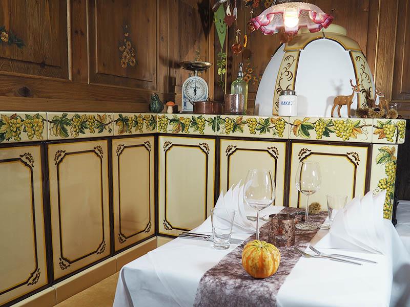 Tisch am Kamin - Weinstube